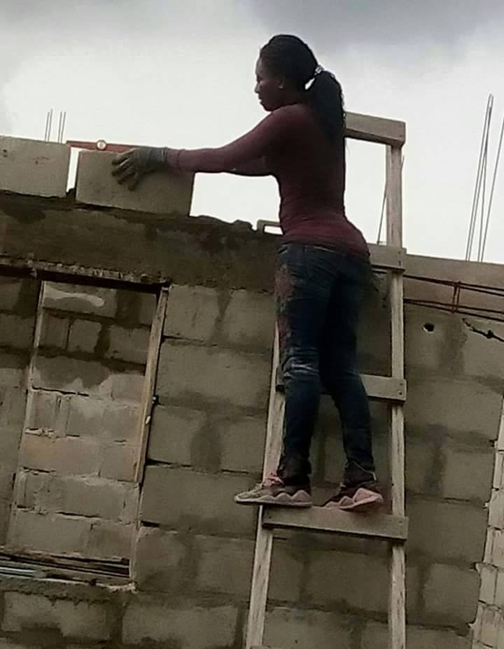 She defy all odds and takes to bricklaying